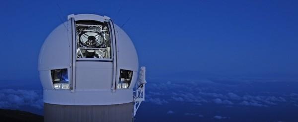 uno dei telescopi di PanSTARRS