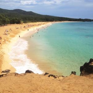 Figura 8. Maui. Oneloa Beach, una spiaggia molto affollata.
