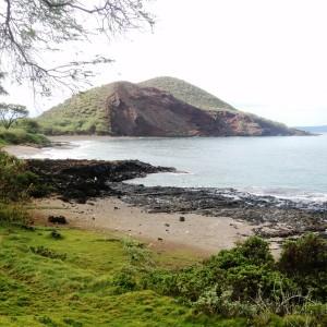 Figura 16. Maui. Il Puu Olai è un piccolo cratere vulcanico che domina la costa sud.