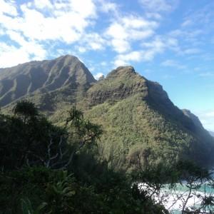 Figura 24. Kauai. Lungo il sentiero che si snoda a precipizio lungo la fantastica Na Pali Coast. Non dovete soffrire di vertigini!