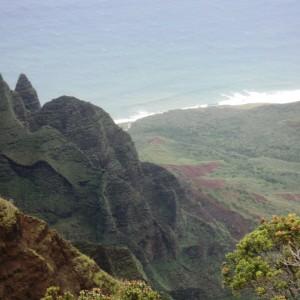 Figura 38. Kauai. Ancora una vista della Na Pali Coast dall'alto  del Kalalau Point.