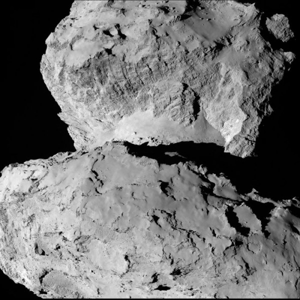 Comet_on_7_August_a_node_full_image_2