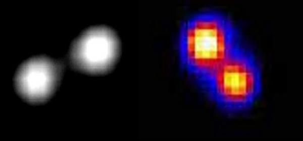 Due asteroidi doppi con compagni di massa comparabile. Essi sono probabilmente sistemi binari formatisi per eccesso di momento angolare su un ellissoide di Jacobi. A sinistra Antiope e a destra Patroclo.