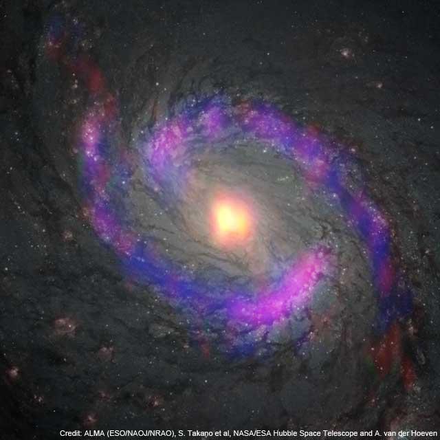 L'immagine della parte centrale di NGC 1068 ripresa da ALMA e dallo Space Telescope. I vari colori indicano le molecole organiche identificate