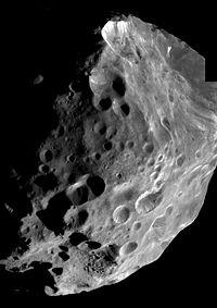"""Il satellite """"centauriano"""" di Saturno Phoebe ripreso da Cassini. Fonte: NASA"""