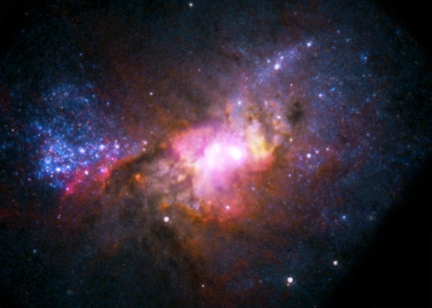 Un'immagine di Henize 2-10 ripresa da Hubble. Fonte: NASA.