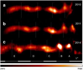Un particolare delle immagini mostra chiaramente lo spostamento di zone particolari della struttura, in funzione del tempo. Fonte. Boccaletti et al., Nature.