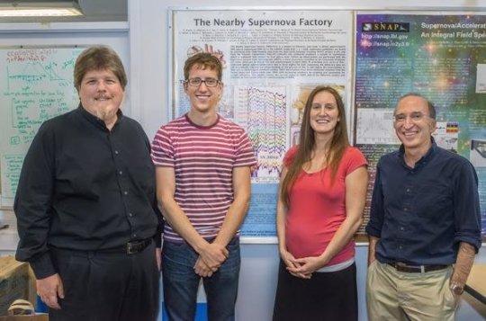 "Quattro ""ragazzi"" della Nearby Supernova Factory. Meritano la prima pagina! Fonte: Roy Kaltschmidt, Lawrence Berkeley National Laboratory"