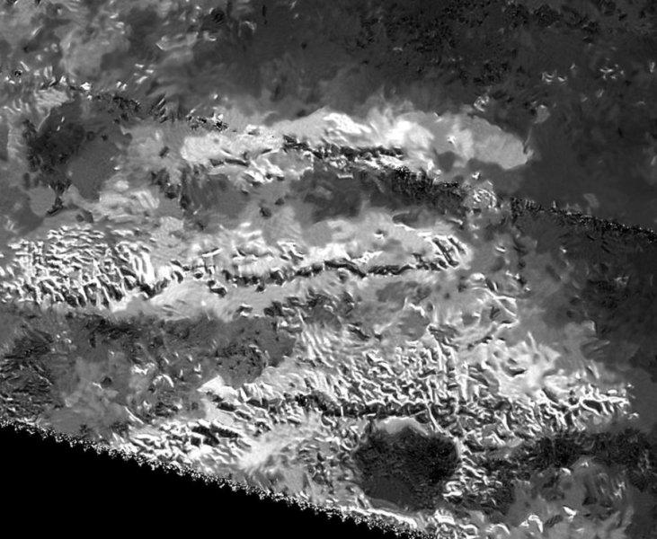 La zona montuosa dove sorge la cima più alta di Titano, con i suoi 3337 metri. Fonte: NASA/JPL-Caltech/ASI