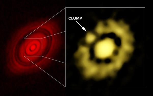 a sinistra l'immagine già straordinaria di ALMA che mi aveva fatto gridare al miracolo, e, a destra, quella forse ancora più sconvolgente di VLA.: il vero e proprio pulcino? Fonte: Carrasco-Gonzalez, et al.; Bill Saxton, NRAO/AUI/NSF