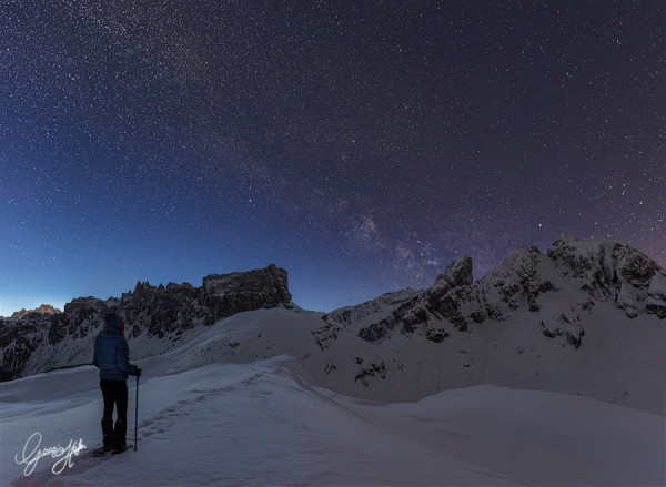 La Via Lattea sopa i Lastoi de Formn e il Monte Cernera