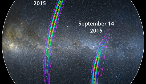 Le zone di cielo in cui dovrebbero essere localizzati gli ogetti che hanno dato origine alle onde gravitazionali. Le curve più ampie rappresentano una probabilità del 90%. Quelle gialle più interne, il 10%. Fonte: LIGO/Axel Mellinger