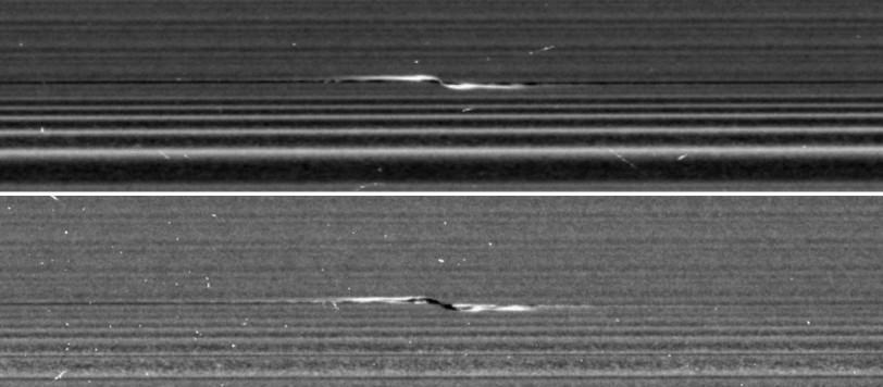 Le due immagini si riferiscono allo stesso oggetto vista sia dalla parte illuminata dal Sole che dalla parte opposta. Fonte:  NASA/JPL-Caltech/SSI