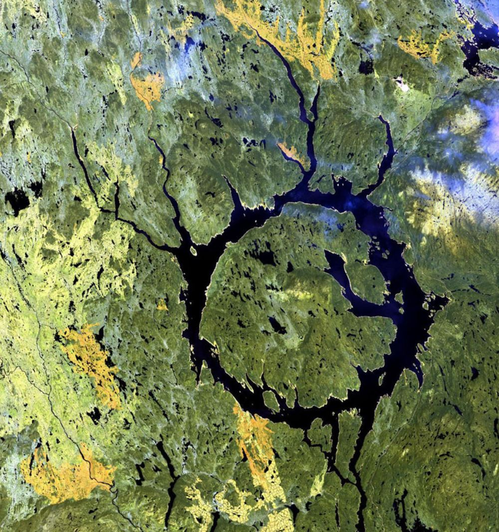 manicougan-cratere-canada-spazio