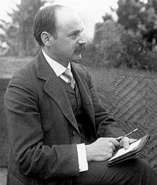 Karl Schwarzschild (1873 - 1916) matematico, astronomo e astrofisico tedesco. Fu direttore dell'osservatorio astrofisico di Potsdam dal 1911 al 1916.