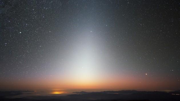 La luce zodiacale vista dall'Osservatorio di Paranal, in Cile. Fonte: ESO.