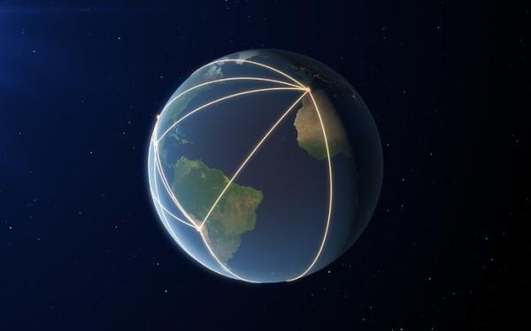 La rete creata dai radiotelescopi utilizzati per l'impresa. Praticamente si estende su tutta la Terra formando un unico immenso strumento. Fonte: ESO/ L. Calçada