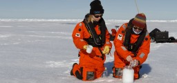 csm_20170804_Sampling_Arctic_sea_ice_006_MTekman_Kopie_3c7537fdf6
