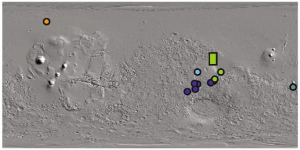 Fig. 5 Distribuzione dei depositi carbonatici marziani. I diversi colori si riferiscono a carbonati arricchiti in diversi tipi di elementi (Ca in arancio, Mg in verde, Ca+Fe in azzurro/viola). Si noti la barra in verde nel settore di Jezero. Modificato da Niles et al., 2013. Space Scince Review)3